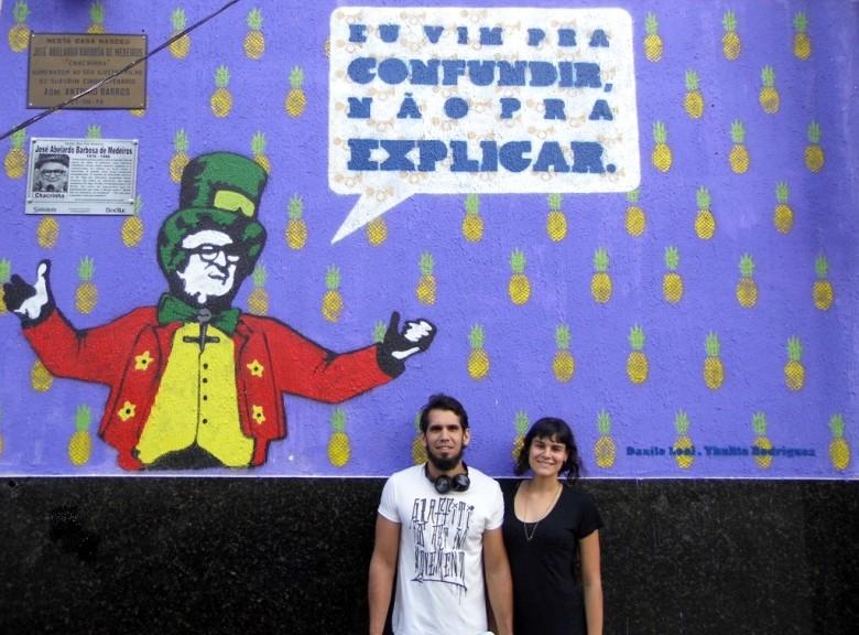 Danilo Leal, Thalita Rodrigues e o grafite homenageando Chacrinha | Foto: SN