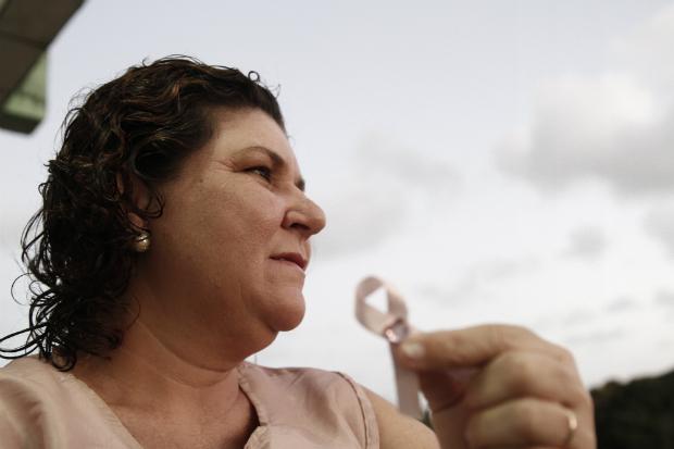 Janine Nascimento venceu a doença e hoje ajuda outras mulheres a superá-la | Foto: Blenda Souto Maior