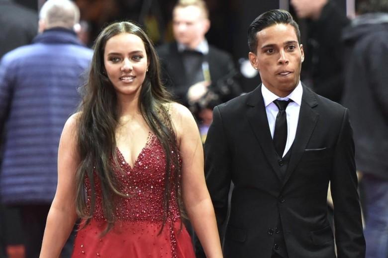 Wendell Lira com sua esposa na premiação da Fifa. Imagem: Olivier Morin/AFP