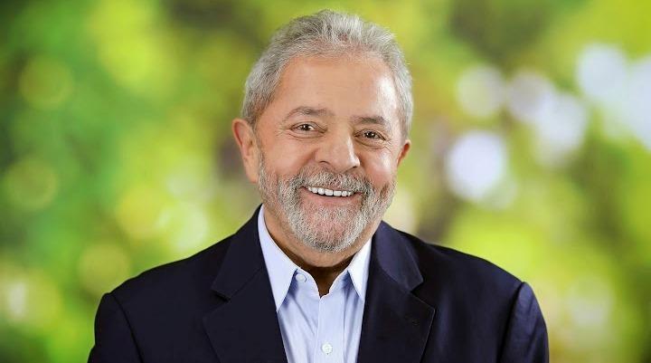 Ele é considerado o melhor presidente que o Brasil já teve para 55% dos brasileiros; 58% o consideram bom administrador; 65% que é trabalhador; e 61% dizem que a vida melhorou nos governos do PT.