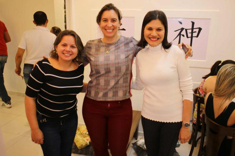 As administradoras do Masayuki, Gilvania Firmo e Tarciana Leite, ao lado da empresária, Meirilane França. | Foto: Surubim News