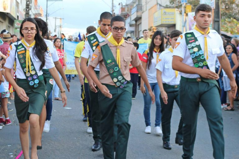 90 anos de emancipação: Desfile Cívico de Surubim.   Foto: Lulu/Surubim News