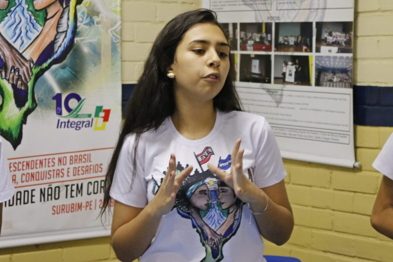 Feira de Ciências do Estadual transmite conhecimento em Surubim