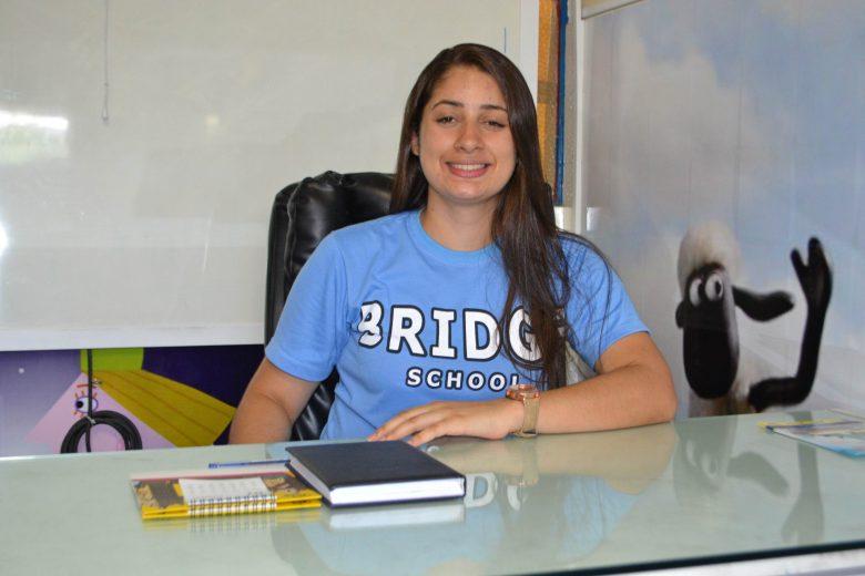 Mariane Araújo no seu ambiente de trabalho no Colégio do Amparo. | Foto: Lulu/Surubim News