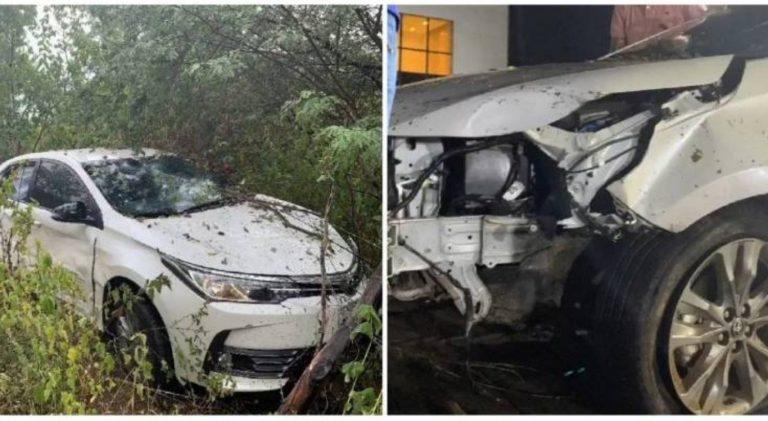 O carro do artista após o acidente.